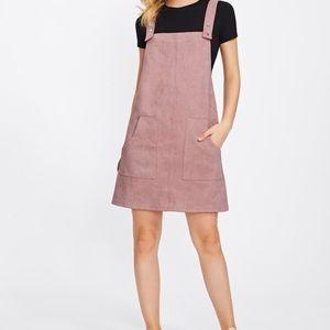 Dresses & Skirts - NWOT OVERALL DRESS💗💗